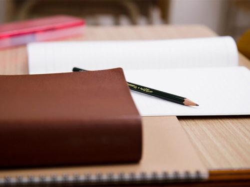 勉強道具と辞書